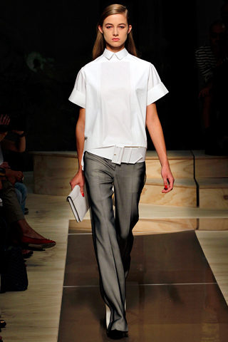 00230m Paris Fashion Week: Celine Spring Summer 2012   Its just very sculptural
