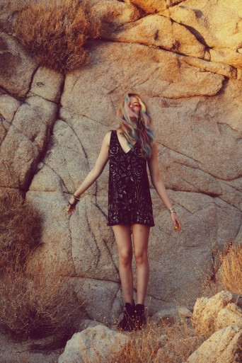 20120115 Palm 4849 342x513 Free People: Lookbook für April & Festival Accessoires