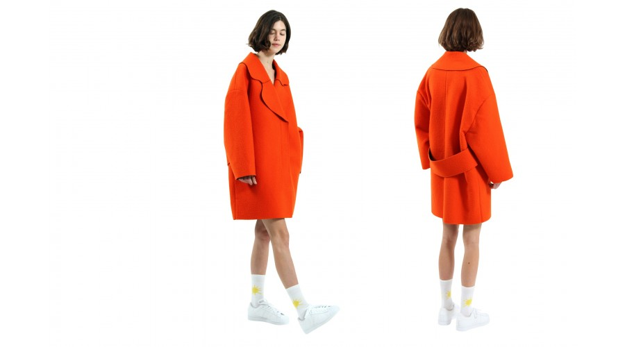 le-manteau-col-rond-orange-1