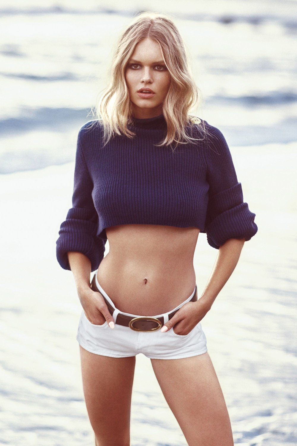 anna-ewers-for-us-harpers-bazaar-may-2015-7