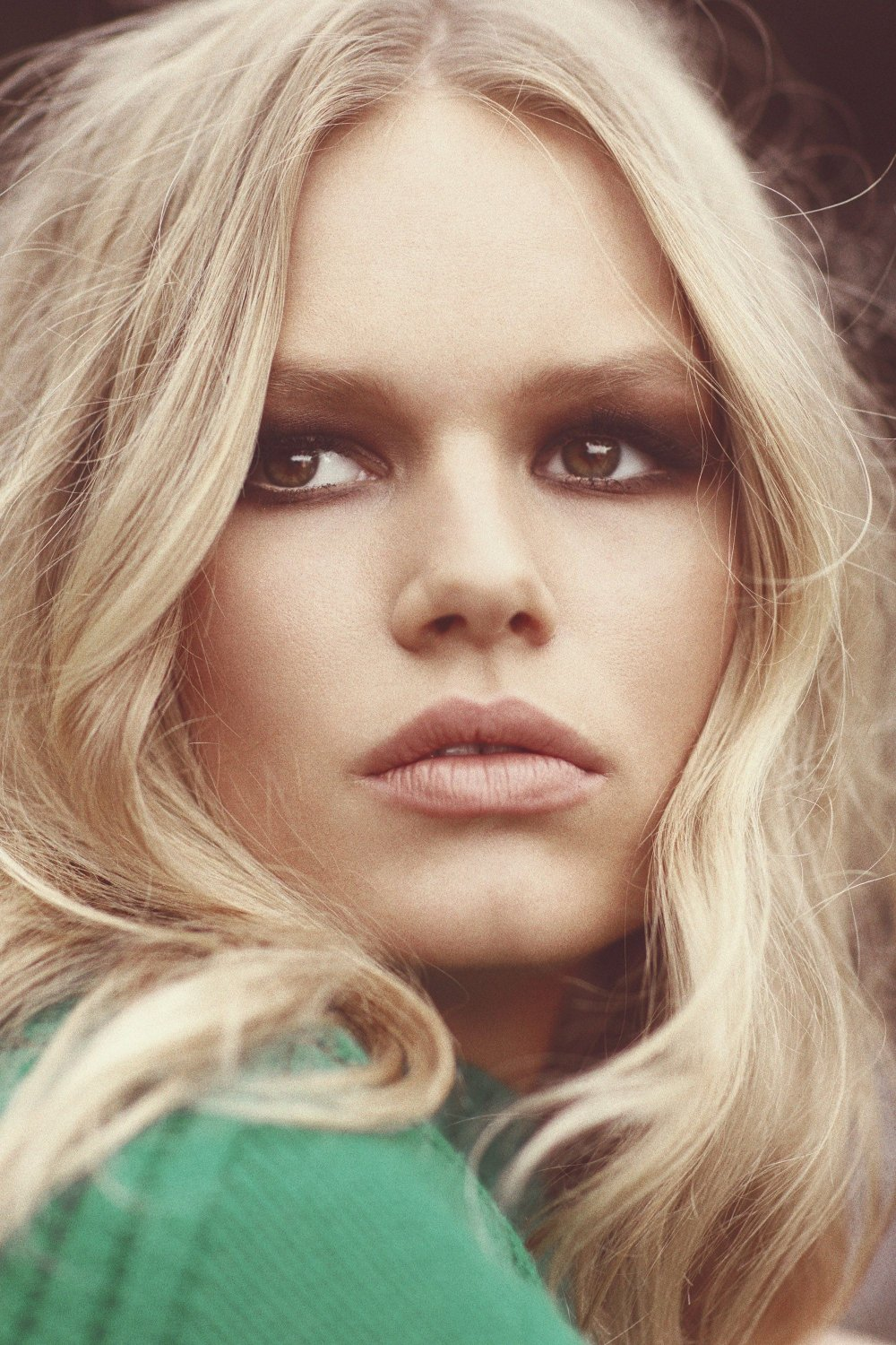 anna-ewers-for-us-harpers-bazaar-may-2015-8