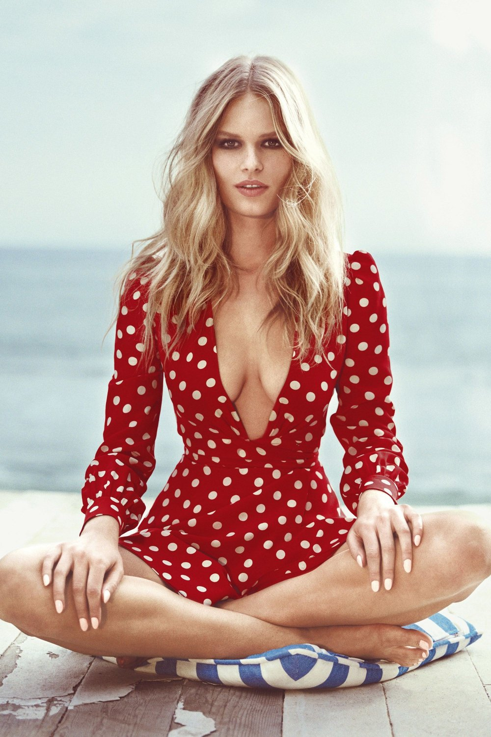 anna-ewers-for-us-harpers-bazaar-may-2015-9