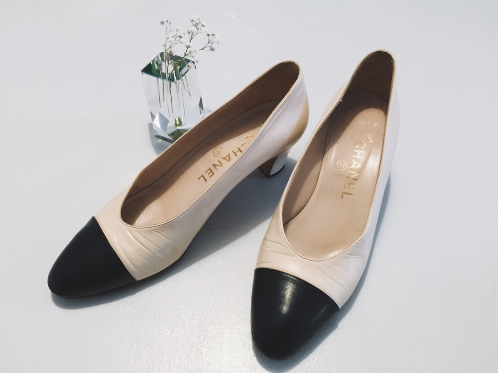 chanel vintage pumps