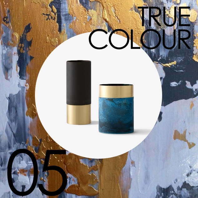 true colour vase