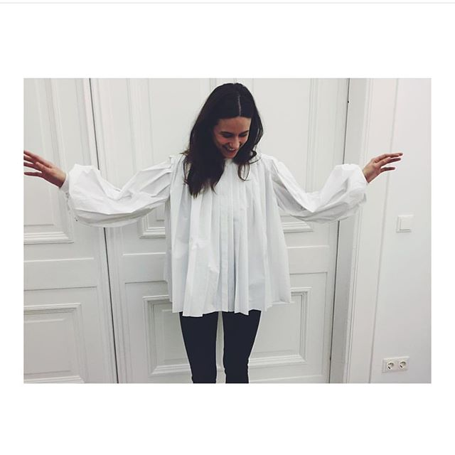 Fell in love with this blouse beauty by @melampo_milano yesterday @agencyvberlin  #rg #melampo