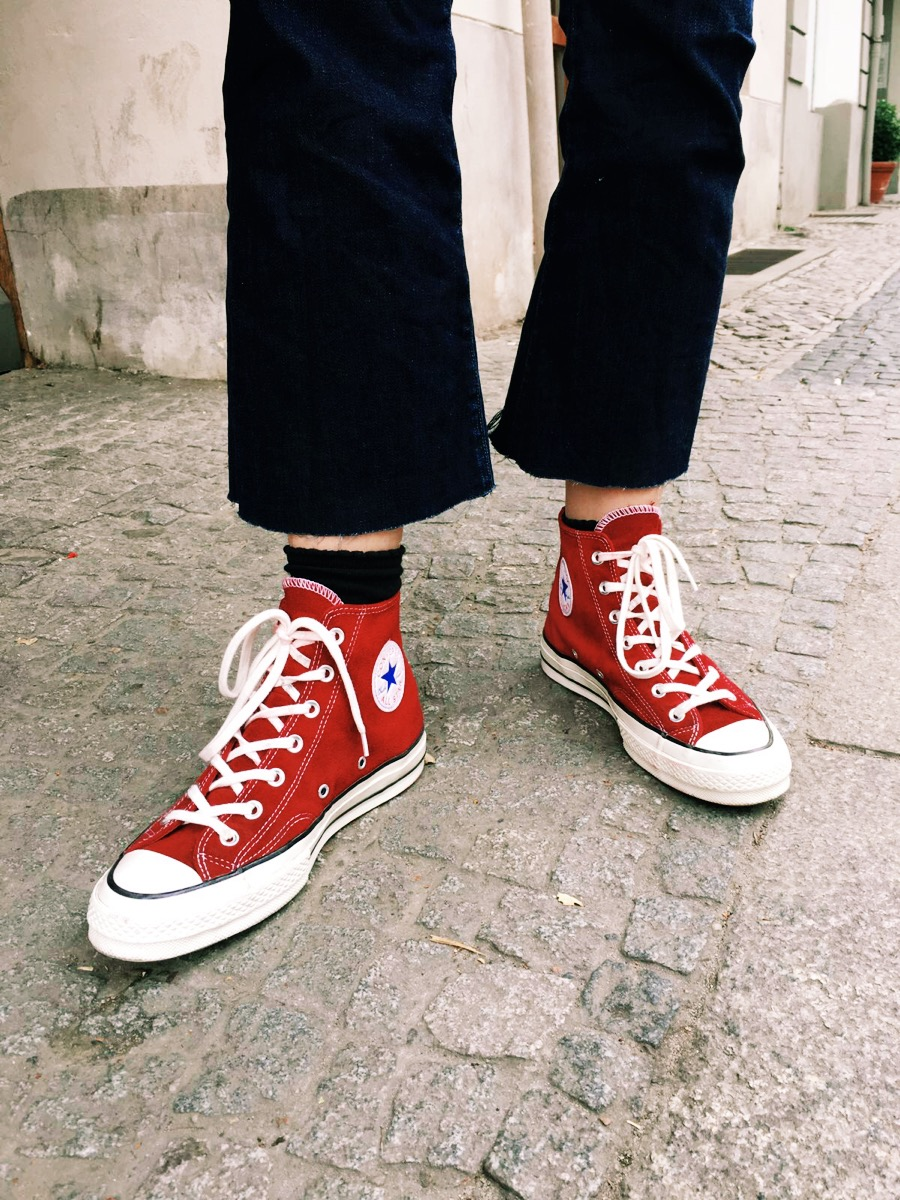converse velours red