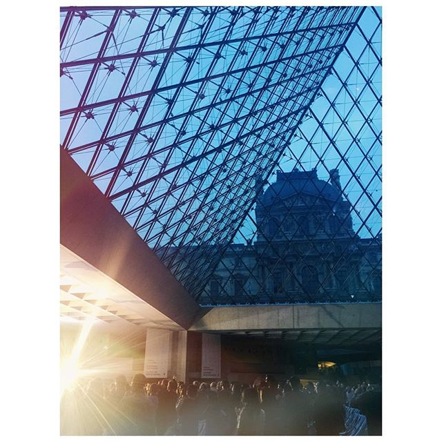 After 6 hours of music by #NilsFrahm & #OlafurArnalds the sun is rising above the louvre and everything surrounding us seems to be pure love.