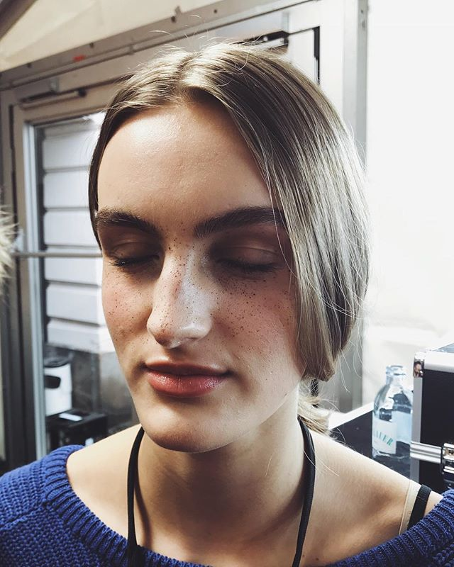 Day 2 // Freckles all over for @perretschaad  Look by @baurloni for @catrice.cosmetics at @derberlinersalon