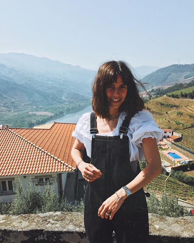 I'm fine on wine!  (and look, mum! I brought your dungarees from the 80's to Porto )