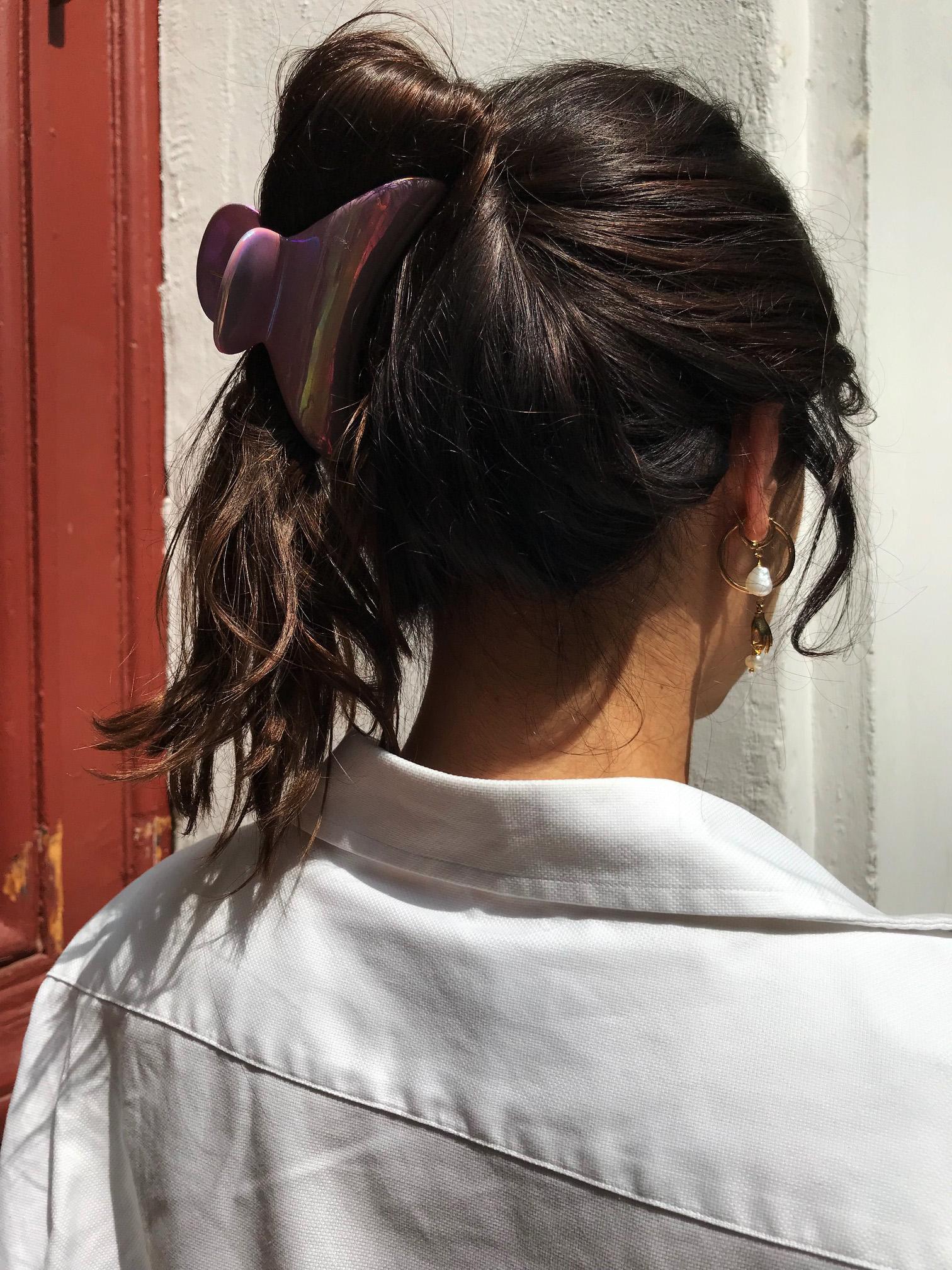 Die Helmfrisuren Saison Ist Eroffnet Und Das Haar Dilemma Beginnt
